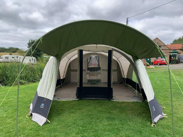 Image 3 of Sunncamp 550 SE trailer tent in immaculate condition