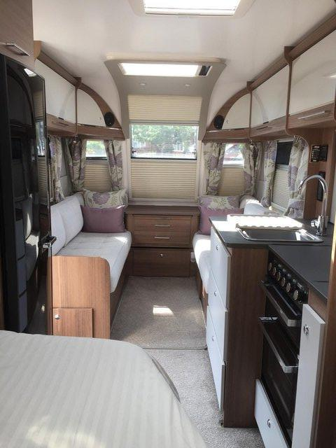 Image 3 of Bailey Unicorn Valencia 2019 4 berth fixed bed - immaculate