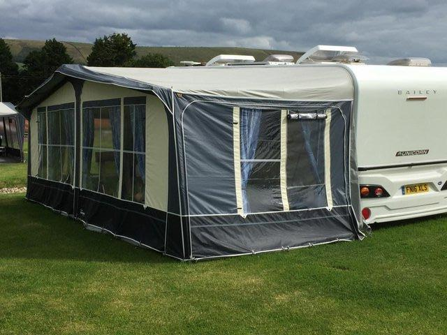 Image 10 of Bailey Unicorn Valencia 2019 4 berth fixed bed - immaculate