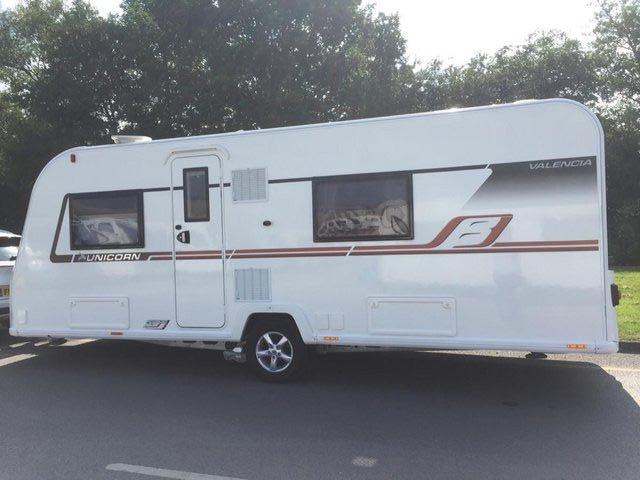 Image 12 of Bailey Unicorn Valencia 2019 4 berth fixed bed - immaculate