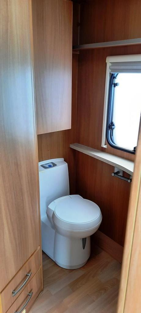 Image 12 of 2008 Swift Challenger 530, 4 Berth, End Washroom, Movers
