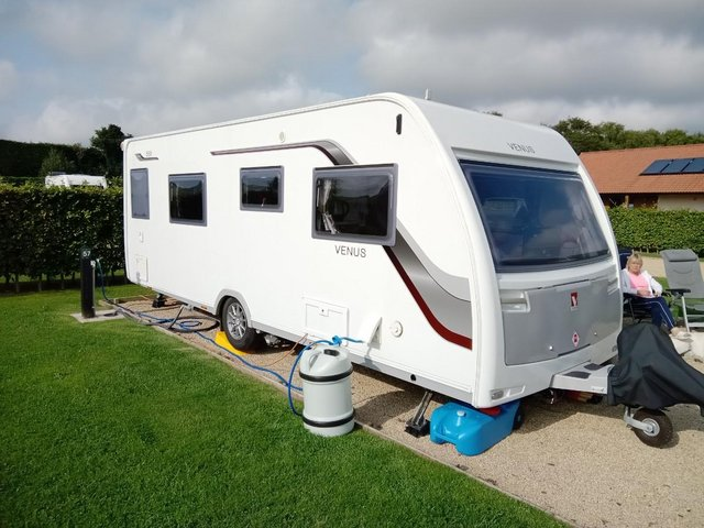 Preview of the first image of LUNAR VENUS 550 CARAVAN2016 WITH FIXED SINGLE BEDS.