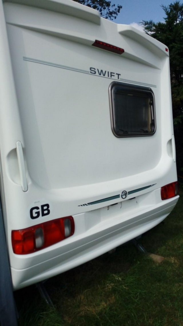 Preview of the first image of Touring Caravan Swift Challenger 520/4 2002.
