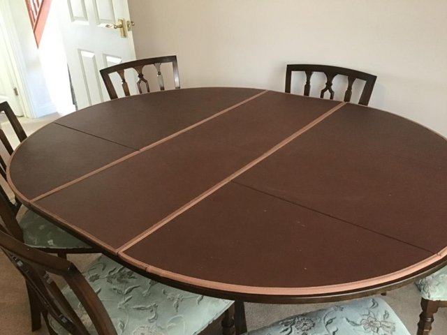Image 3 of Mahogany Dining Table and 6 chairs