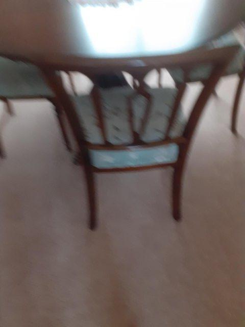 Image 2 of Mahogany Dining Table and 6 chairs