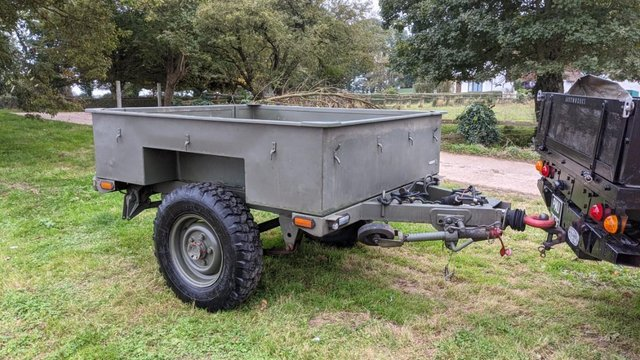 Image 11 of Land Rover Defender 110 XS 2.4 TDCi County Station Wagon