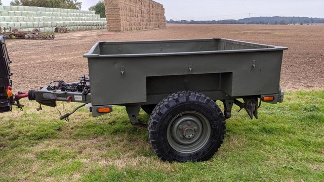 Image 13 of Land Rover Defender 110 XS 2.4 TDCi County Station Wagon