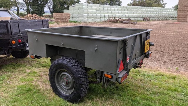 Image 14 of Land Rover Defender 110 XS 2.4 TDCi County Station Wagon