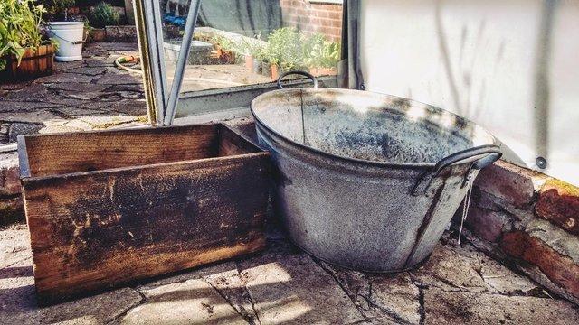 galvanised bath tub