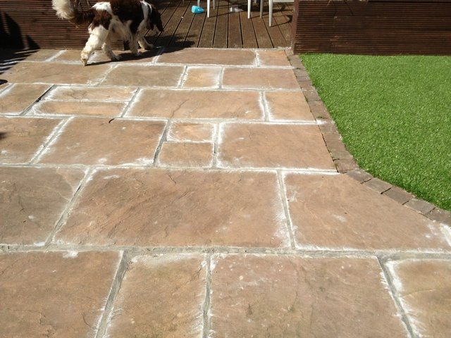 Preloved how do you fill the cracks between paving slabs for Cleaning concrete patio slabs